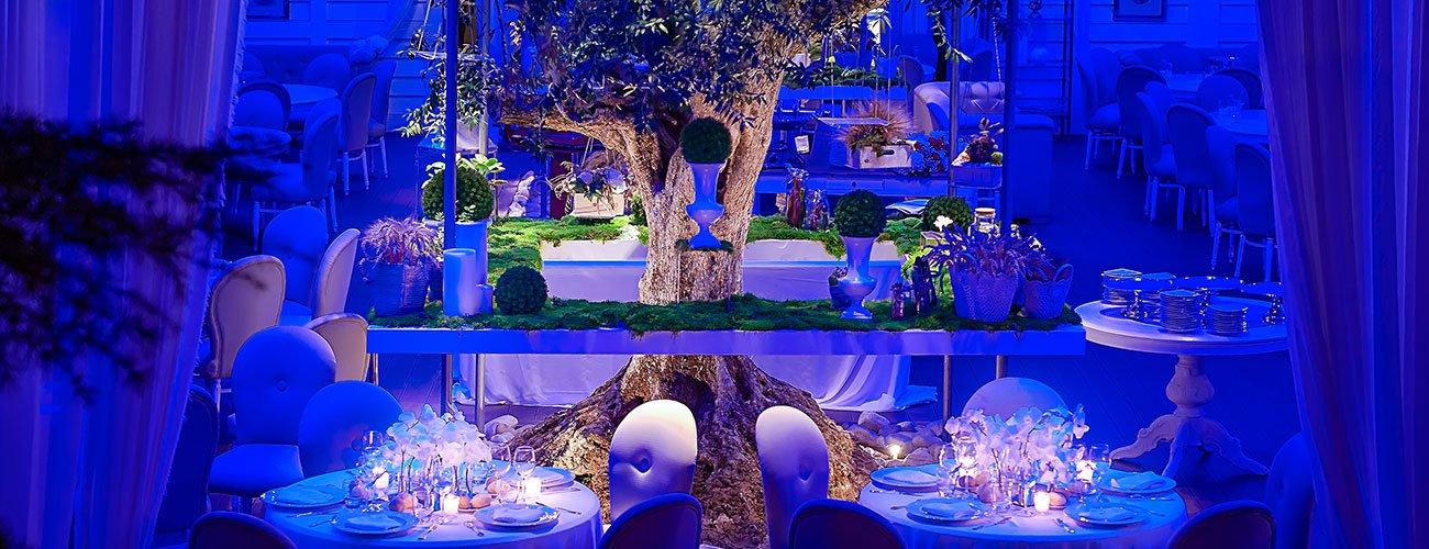 Ville-con-giardino-per-matrimoni-allestimento-minimal-tavoli