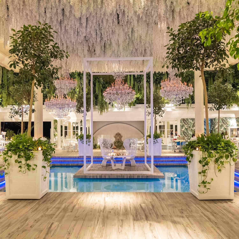 Ville-per-matrimoni-con-piscina-floreale