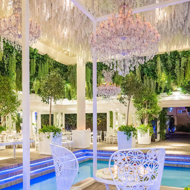 Ville-per-matrimoni-con-piscina-particolare-soffitto