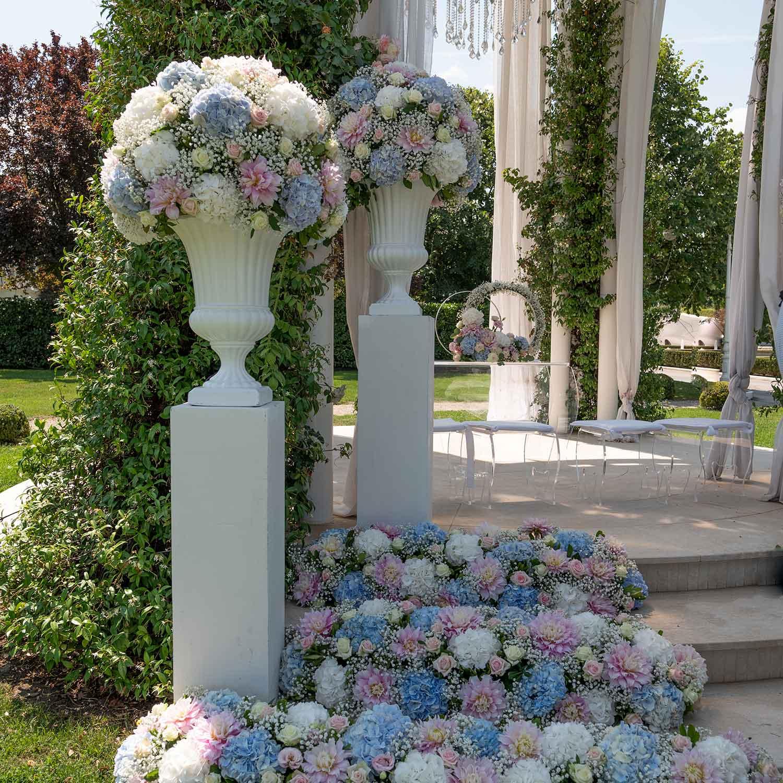 Matrimonio stile americano Campania allestimento floreale rosa e azzurro
