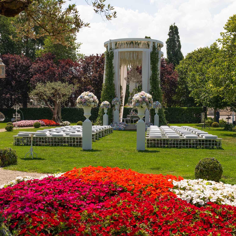 Matrimonio stile americano Campania fiori rossi
